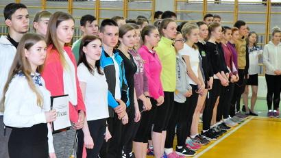 Юные спортсмены из 23 муниципальных образований Поморья выясняют, кто из них быстрее, выше и сильнее