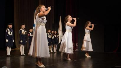 При поддержке губернатора Игоря Орлова был организован фестиваль «Таланты Поморья», который стал отборочным этапом на Дельфийские игры России