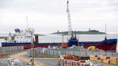 Терминал может принимать суда длиной не более 100 метров и осадкой не более 4 метров. Фото ОАО «Архангельский речной порт»