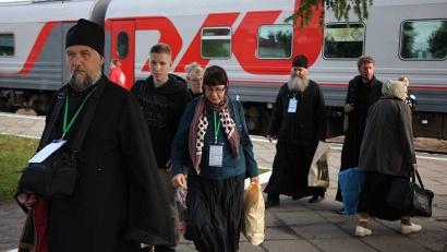 В составе крестного хода в Карпогоры прибыло около 600 гостей