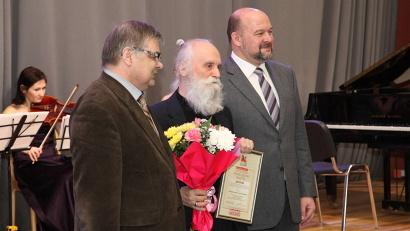 Борис Егоров получил губернаторскую стипендию на создании книги по метариалам дневников Бориса Шергина