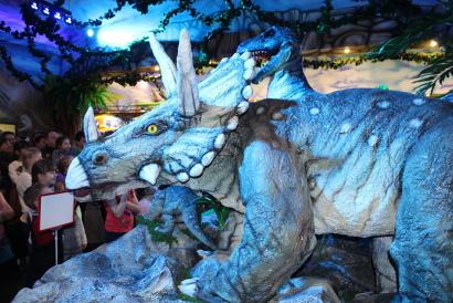Вельские динозавры стали сенсацией района