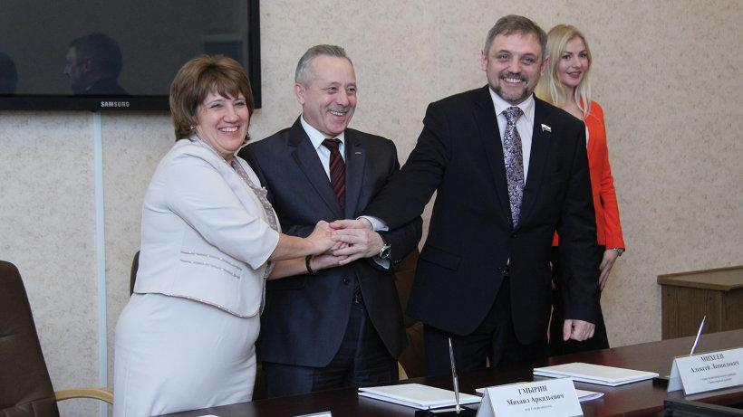 Учредительный договор о создании ассоциации подписали главы Приморского района, Северодвинска и Заполярного района НАО