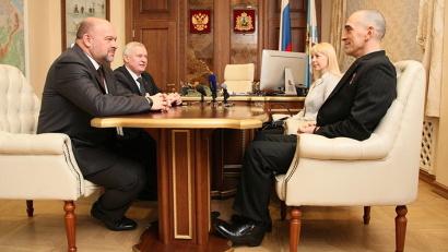 Игорь Орлов поблагодарил гостя за участие в патриотической работе