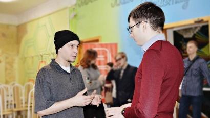 «Диалог на равных» с молодежью Коряжмы провел Григорий Ковалев