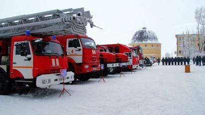 В списке – автолестница, автоцистерны, автомобильная база газодымозащитной службы, два пожарно-спасательных катера, снегоболотоход и автомобиль УАЗ «Патриот»