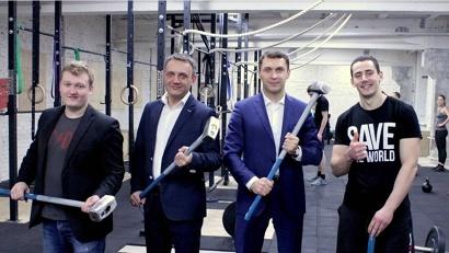 Николай Евменов встретился с молодыми предпринимателями, открывшими в Архангельске первый кроссфит-зал