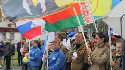 Парад объединил студентов разных вузов...