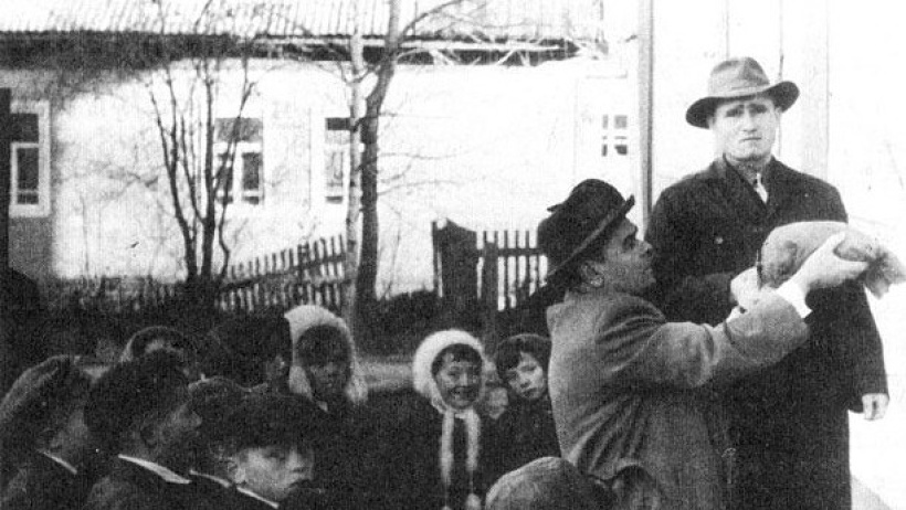 Фото из архива, Коношский район, закладка капсулы