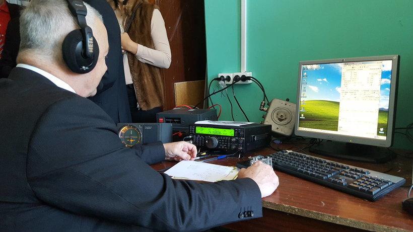 Первый сеанс связи провёл радиолюбитель со стажем Николай Родичев