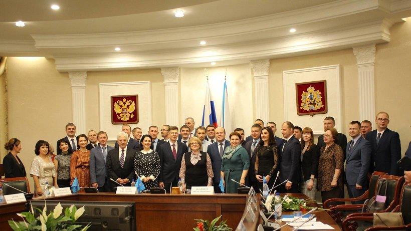 Церемония вручения дипломов выпускникам Президентской программы состоялась в правительстве Архангельской области