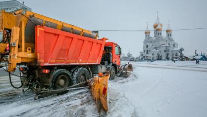 Уборка и вывоз снега с территории областного центра велась в круглосуточном режиме