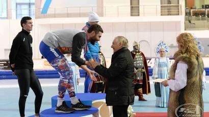 На всероссийских соревнованиях по конькобежному спорту Александр Румянцев занял второе место
