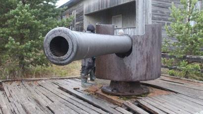 Пушки на Мудьюге установлены в память о погибшей береговой батарее