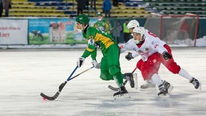 Водник победил соперников из Первоуральска со счётом 2:0
