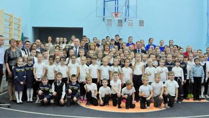 На качественно новом уровне отныне будут проходить уроки физкультуры в Талажской средней школе Приморского района