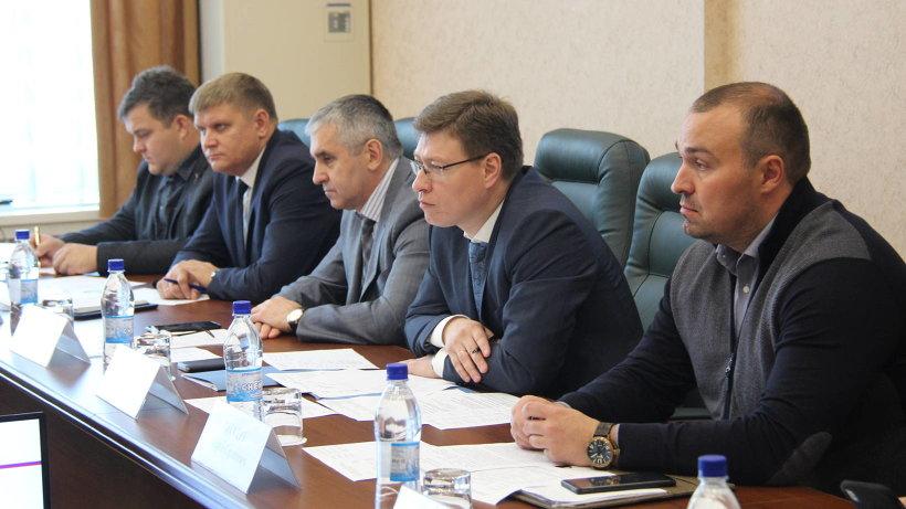 Рабочую встречу провел министр строительства и архитектуры Архангельской области Михаил Яковлев