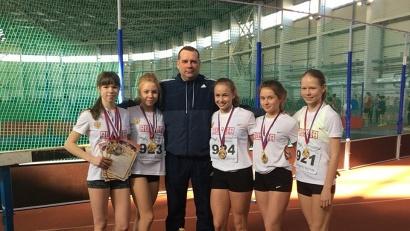 В общем зачёте среди девочек 2003–2004 годов рождения победу в категории спортивных школ одержала ДЮСШ №1 из Архангельска