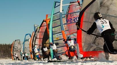 Условия для проведения гонок подходящие: лёд на Северной Двине достиг толщины около метра, поверх которого 20 сантиметров спрессованного снега