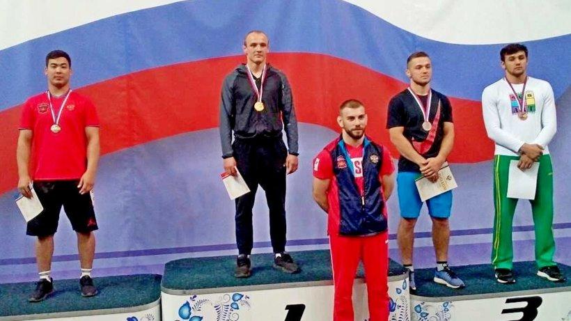 В весовой категории до 87 кг победителем соревнований стал мастер спорта Павел Петруничев