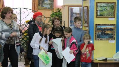 В экспозиции представлены работы юных живописцев из Коношского, Устьянского, Вельского районов, Северодвинска и Санкт-Петербурга