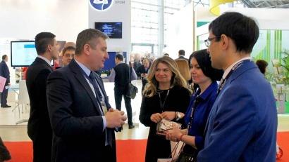 Руководитель контрактного агентства Константин Северьянов рассказал участникам форума об опыте проведения госзакупок в Поморье