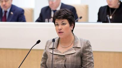 Людмила Кононова стала первым представителем Архангельской области в российском парламенте, официально отчитавшимся о своей работе перед областными депутатами