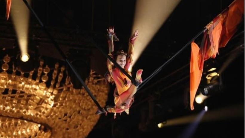 Выступать Олесе довелось над пылающим огненным пламенем. Фото предоставлено министерством культуры Архангельской области