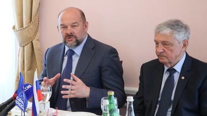 Игорь Орлов: «В регионе уже началась работа над предложениями, которые необходимо внести в национальные программы по всем 12 направлениям Указа»
