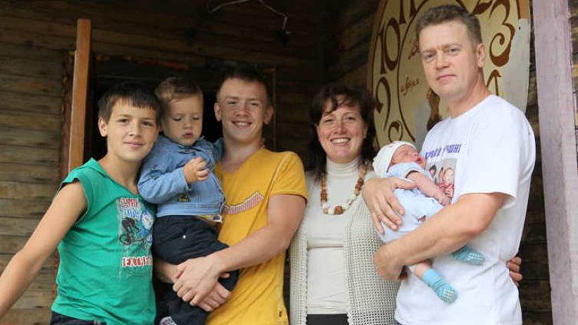 Семья Корзниковых из Архангельска, в которой воспитывается семеро детей