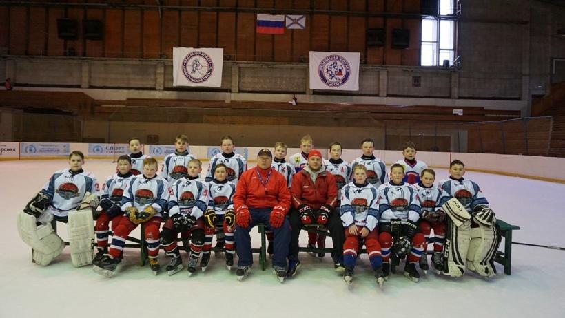 Архангельскую область представляла хоккейная команда «Каскад» под руководством тренера Юрия Аниськина