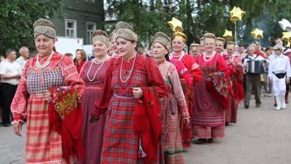 Фестивальное шествие на улицах Красноборска