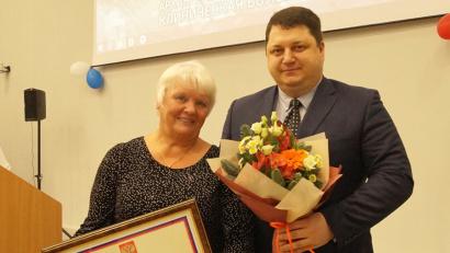 Антон Карпунов с медсестрой областной больницы Ириной Разумовой