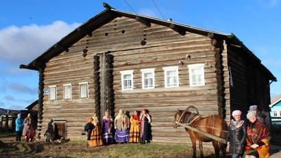Этнографический музей расположился в доме XIX века постройки на берегу реки Пёзы