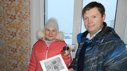 Новоселье справили бывшие жильцы пяти аварийных домов. Фото газеты «Холмогорская жизнь»