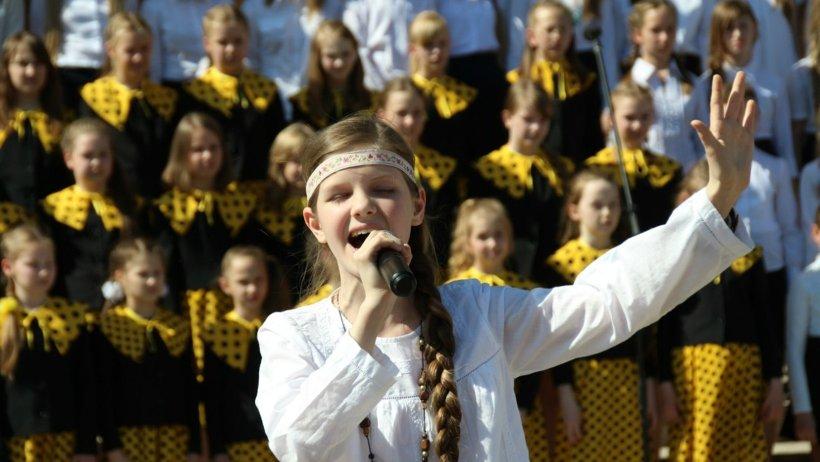 В финале большого хорового праздника на уличную сцену выйдут триста участников концерта