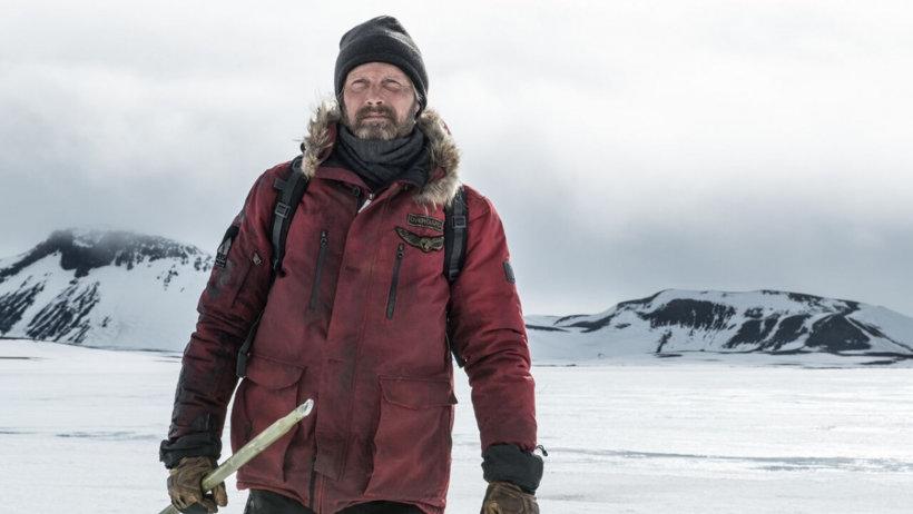 Главную роль в картине играет Мадс Миккельсен, известный зрителям по сериалу «Ганнибал» и фильмам «Казино Рояль» и «Охота»
