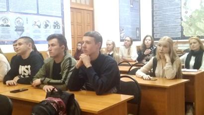 Студенты активно задают вопросы на тему будущего трудоустройства