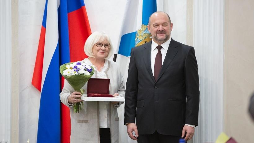 Коллектив Добролюбовки отмечен главной региональной наградой в год 185-летнего юбилея   библиотеки