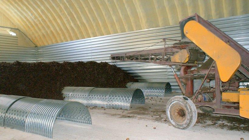 Новое хранилище вмещает около двух тысяч тонн овощей