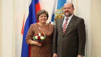Почетного звания заслуженный учитель Российской Федерации удостоена Елена Толобистюк из Северодвинска