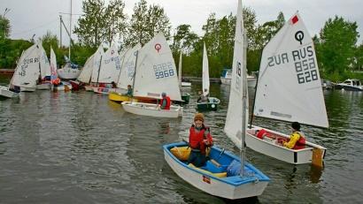 В гавани центра «Норд» состоялись первые в этом году соревнования в классе «Оптимист»