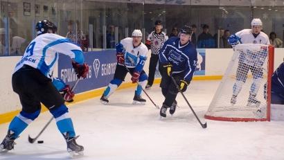 Финальные матчи лиги состоялись на ледовой арене физкультурно-оздоровительного комплекса «Беломорец» в Северодвинске