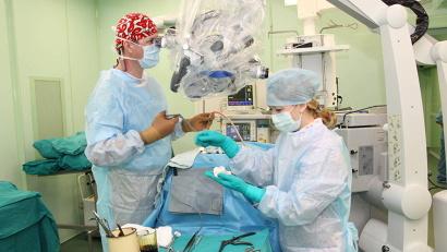 Современное оборудование позволяет проводить операции на самом высоком уровне