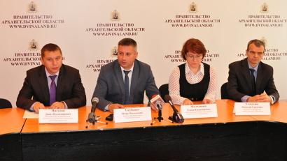 В разговоре с журналистами приняли участие Игорь Скубенко и руководители основных отделов министерства образования и науки