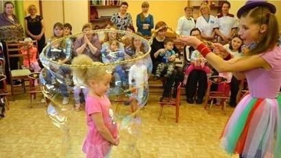 Малыши были не просто зрителями, но и активными участниками представления, и их восторгу не было предела