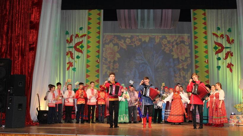 Победителями конкурса стали ансамбль «Завалинка» из Красноборского района и молодой архангельский гармонист Арсений Синюшкин