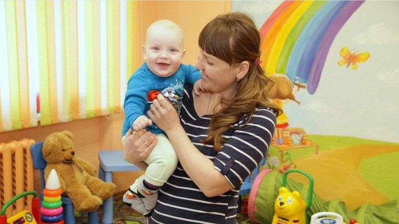 Гости «Детской парковки» - семимесячный Иван с мамой Мариной Ануфриевой