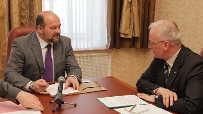 О том, как идёт процесс переформатирования местной власти, губернатор Игорь Орлов расспросил главу Плесецкого района Алексея Сметанина