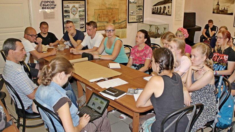 В Каргополь приехали более 20 молодых реставраторов